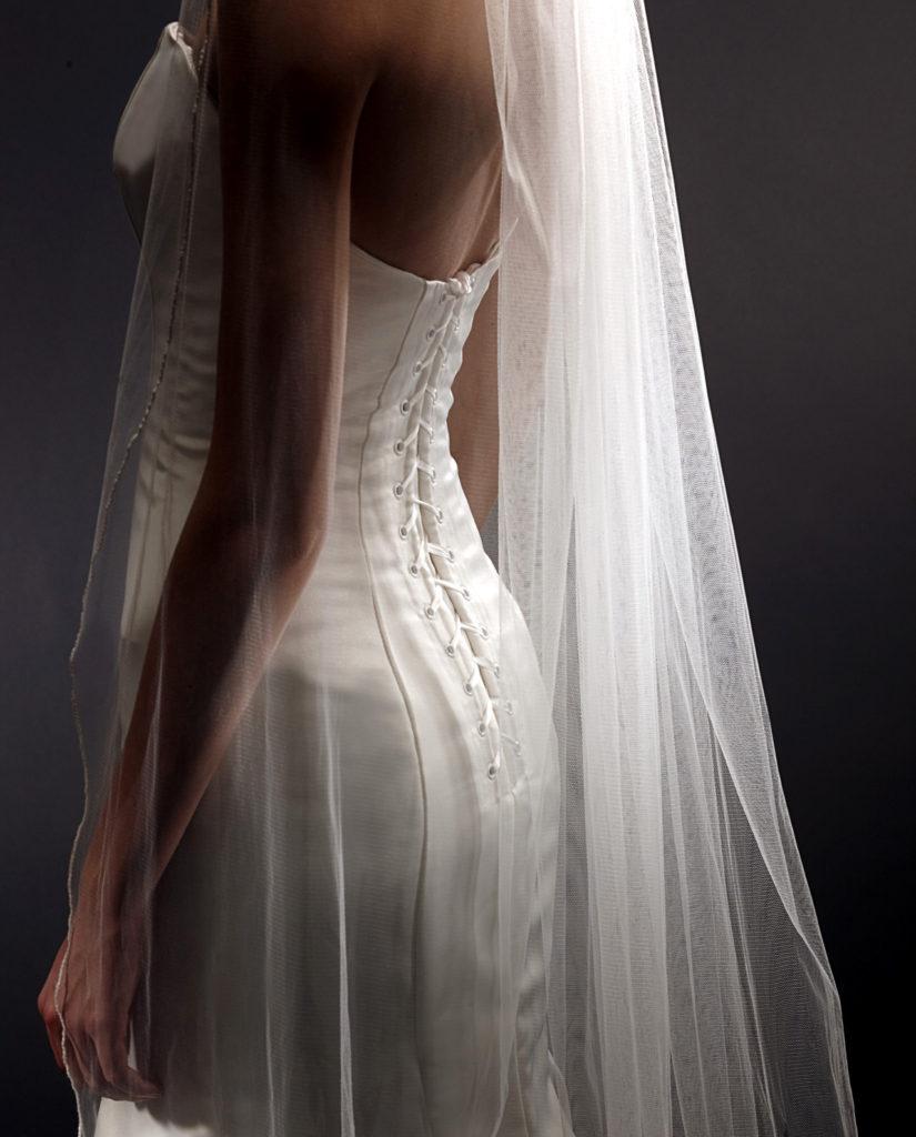Veil. Wedding veil. Keyes veil. Wedding accessories. Bridal accessories. Bridal wear. Wedding dresses. Gudnitz wedding dress. Plain veil. Keyes veil. Brudeslør. Slør. Gudnitz slør. Brudetilbehør. Gudnitz Copenhagen.