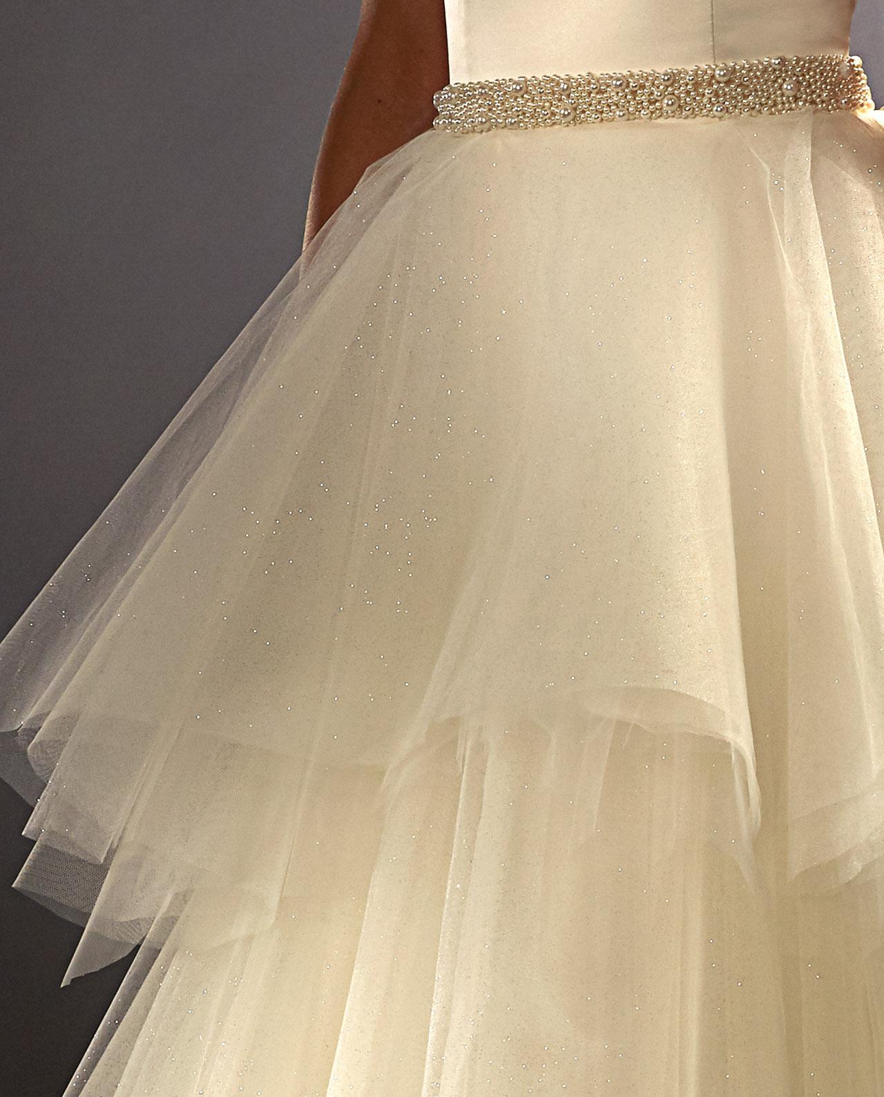 3abb8d896474 Scarlett Weddinggown med Bergman perle bælte. Perle Bælte. Bridal  accessories. Wedding. Brudetilbehør