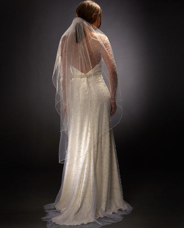 Selina weddingdress with Garland Veil. Wedding veils. Weddingdresses. Bridal veil. Bridal ccessories. Wedding Accessories. Gudnitz Copenhagen