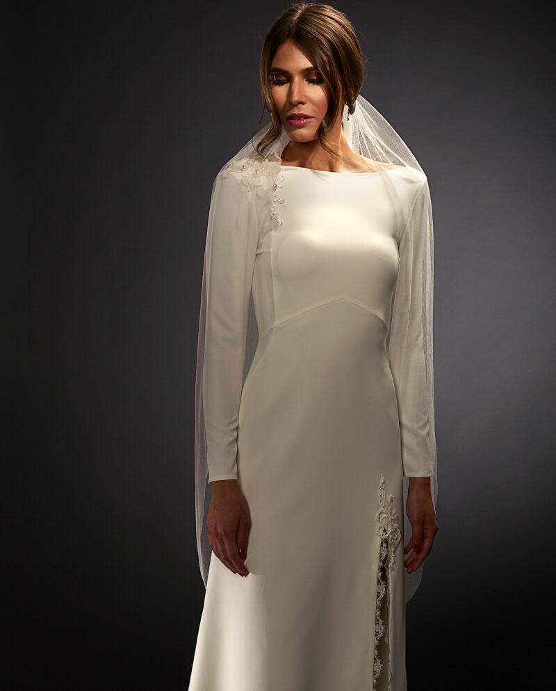 Stella White Label with Gardner veil. Luxury Bridal Wear. Weddingveil. Gudnitz Copenhagen