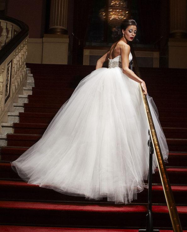 Vintage Dream wedding dress. Beautiful ball gown tulle dress with built-in corset. New Vintage. Gudnitz Copenhagen
