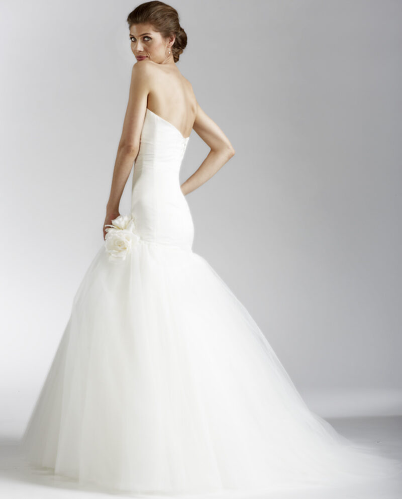 Gudnitz Copenhagen New Vintage. White Notion. Ivory drop waist tulle wedding dress with built-in corset and lace up back