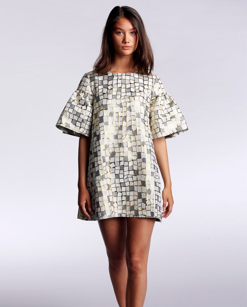 Gudnitz Copenhagen. SS22 Twiggy Dress. Dress Up. White dress. Gold dress. Silver Dress. White, silver, gold dress. Dresses. Party dress. Cocktail dress. Evening wear. Dinner dress. Party dress. Designer dress. Casual dress Summer dress. Spring dress