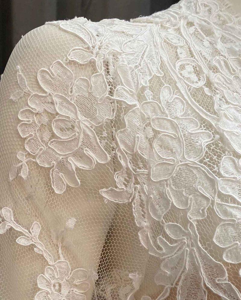 Vintage Label 07 Gudnitz Copenhagen. Brudekjole med topstykke i fransk Solstiss blonde og enkel bund. Vintage Wedding dresses by Gudnitz Copenhagen