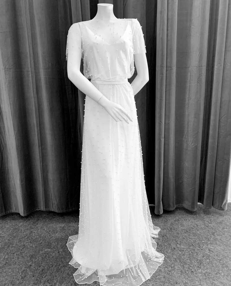 Bella Dress vintage wedding dress by Gudnitz Copenhagen